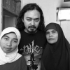 Man Jasad, metal frontman/spokesperson with his dear mom & sister